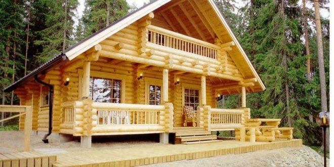 Дървена къща с веранда
