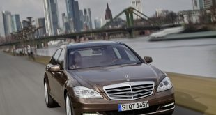 Мерцедес си остава най-желаната марка за любителите на луксозни автомобили.