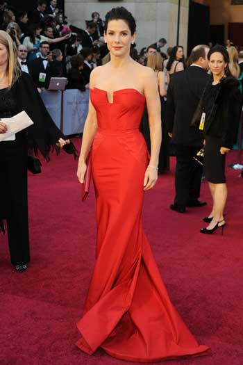 Червена рокля1