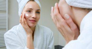 С годините кожата започва да губи своята еластичност, а нейните защитни механизми се забавят. Така резултатът са множество бръчици, които ни ужасяват в огледалото.