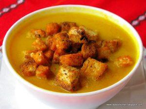 Крем супа с домати и тиквички