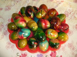 Яйца боядисани с желатин
