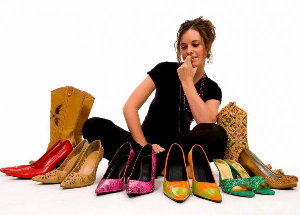 Слабостта на жената към обувките е пословична, а изборът доста показателен