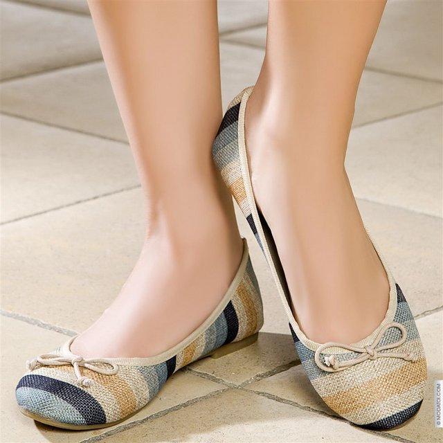 Чифт женски обувки