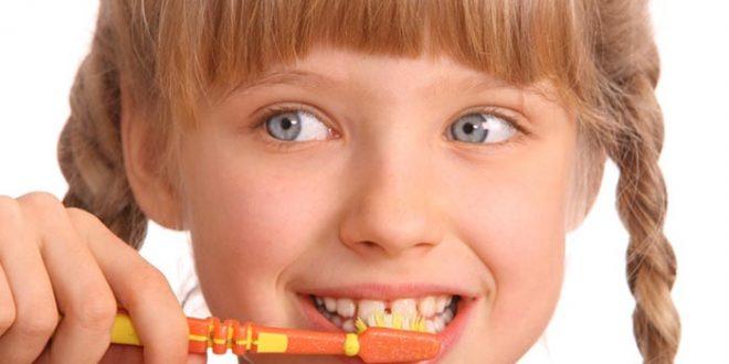 Измиването на зъбите след всяко хранене е важно условие за предпазване от кариес