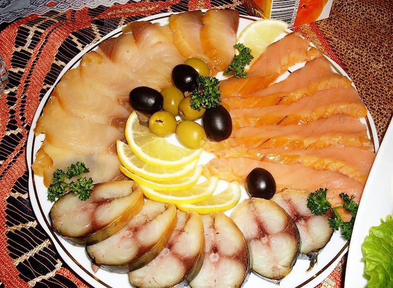 Риба в чиния