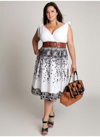 Сиво-бяла рокля