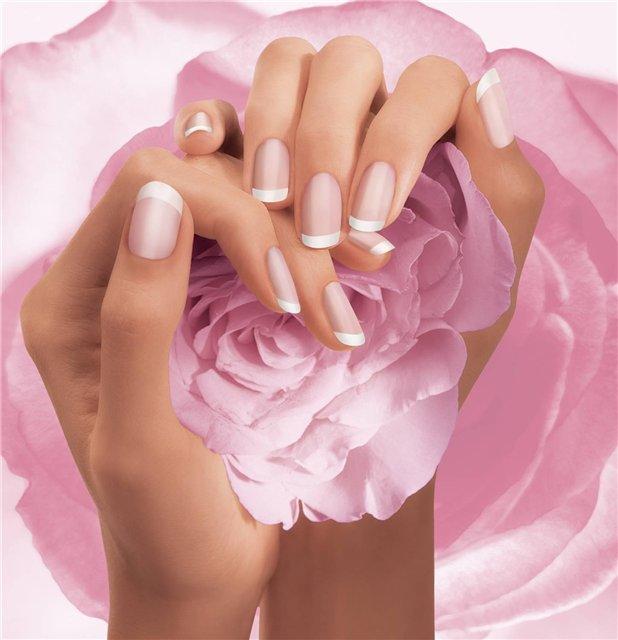 Красиви женски ръце