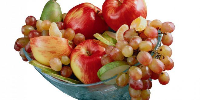 Разноцветните плодове така се подреждат, че да се получи приятна хармония на цветовете