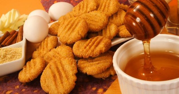 Сладки с мед